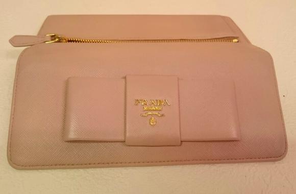 プラダの財布の染め直し修理