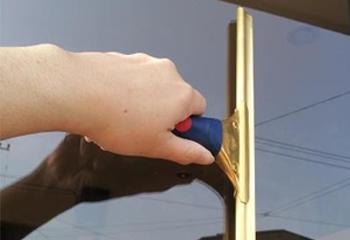 窓ガラスをプロ並みに掃除